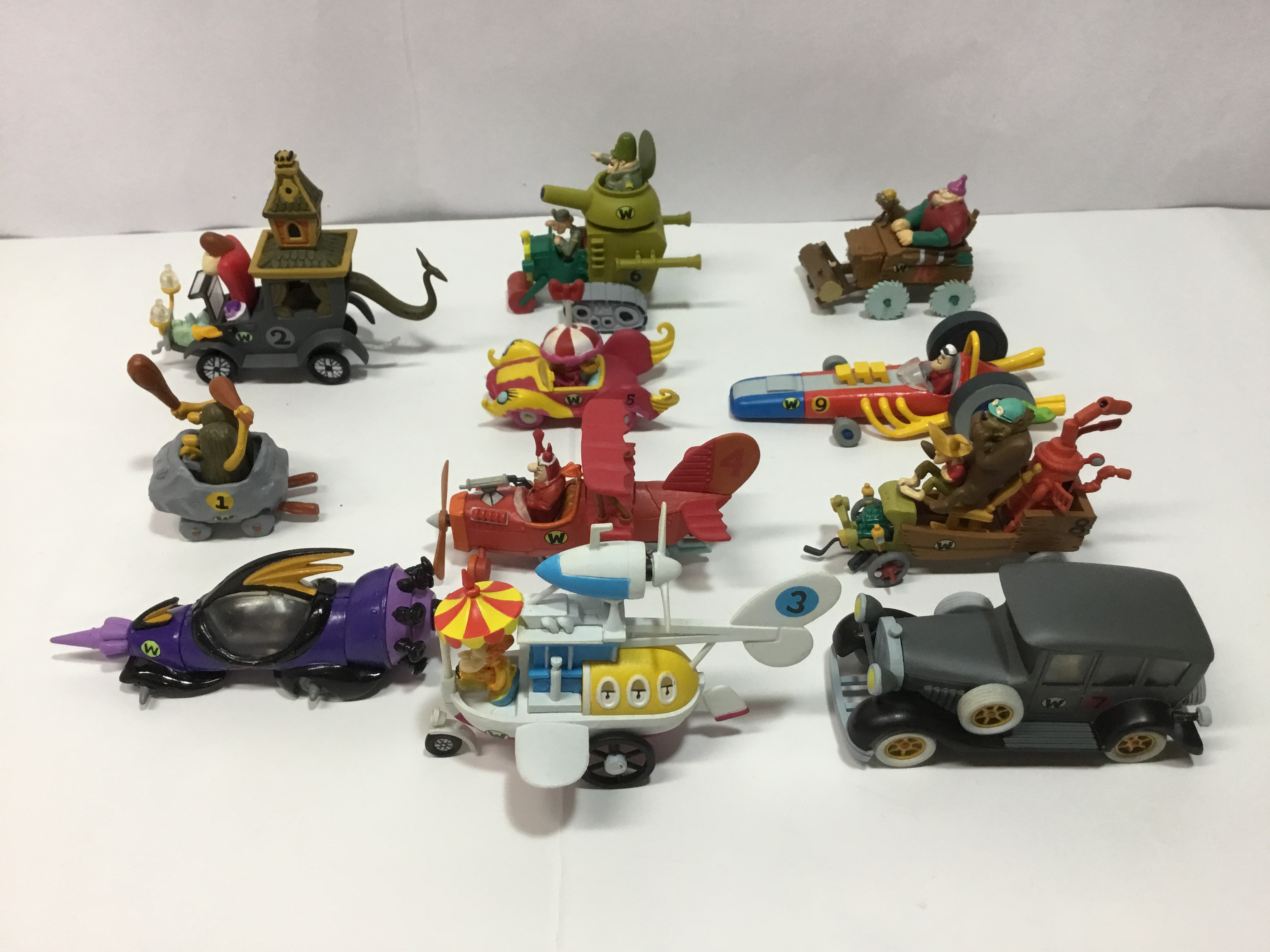 チキチキマシン猛レース  個性的な11台のマシンたち